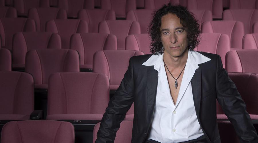 Javier Calamaro editó su disco